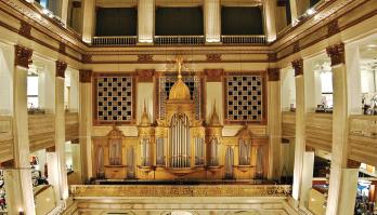 The pipe organ in Wanamaker's department store, Philadelphia.