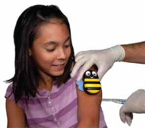 A child receives an injection while using Buzzy.